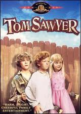 Tom Sawyer-nya Hollywood 1973. Dari kiri: Jeff East sebagai Huck Finn, Johnny Withaker sebagai Tom Sawyer, dan Jodie Foster sebagai Becky Teacher.